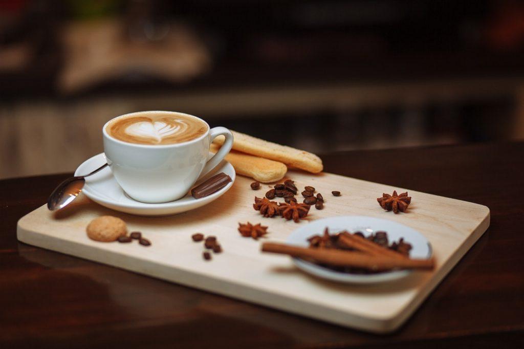 カフェインなどの睡眠を妨げる化学物質を避けるのイメージ画像