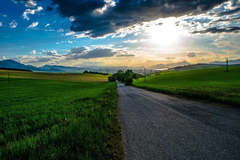 太陽の光を浴びるのイメージ画像