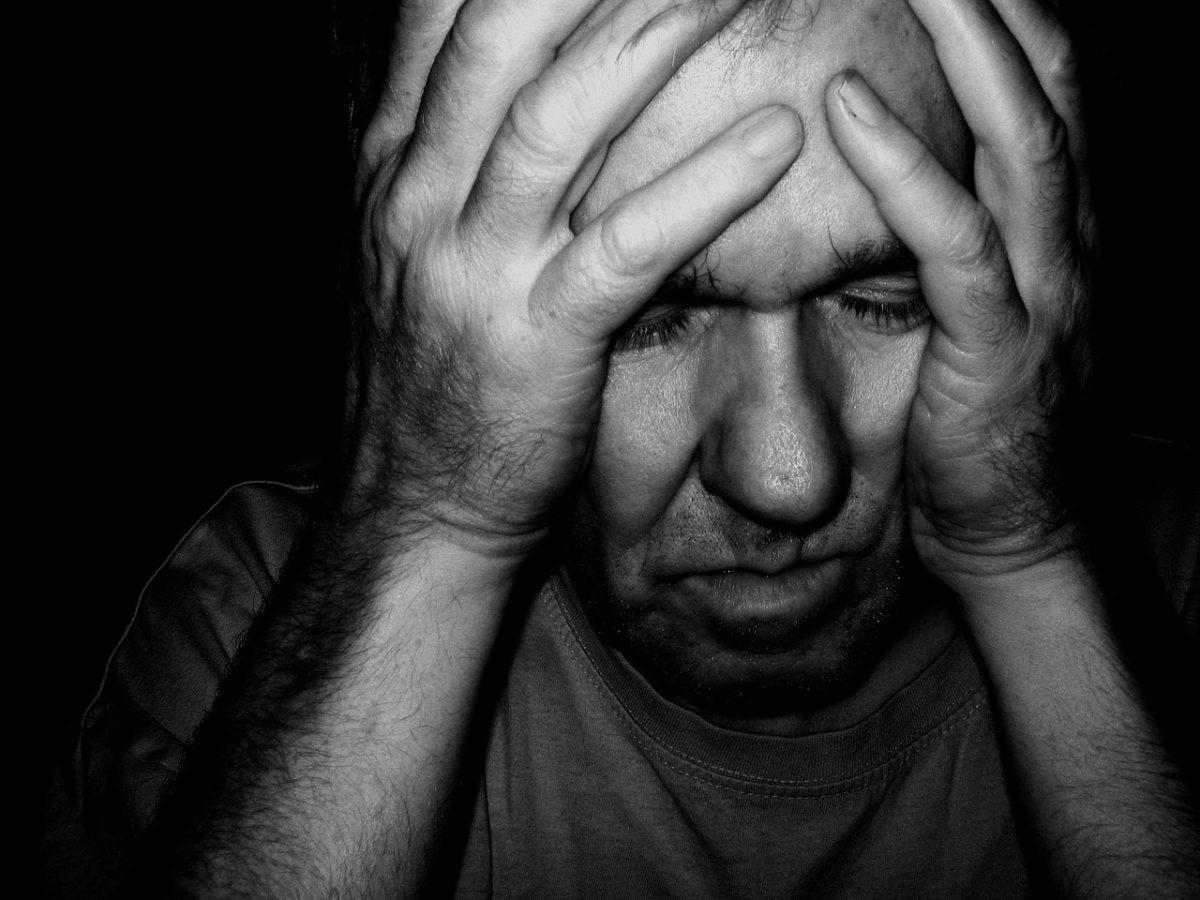 禁酒を始めると頭痛が起こる原因と治療方法